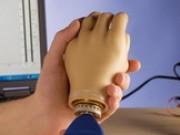 Биоэлектрические протезы верхних конечностей
